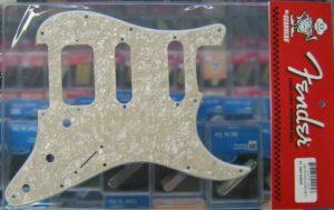 Fender Fat Strat Pickguard Aged White Pearl 0991338000