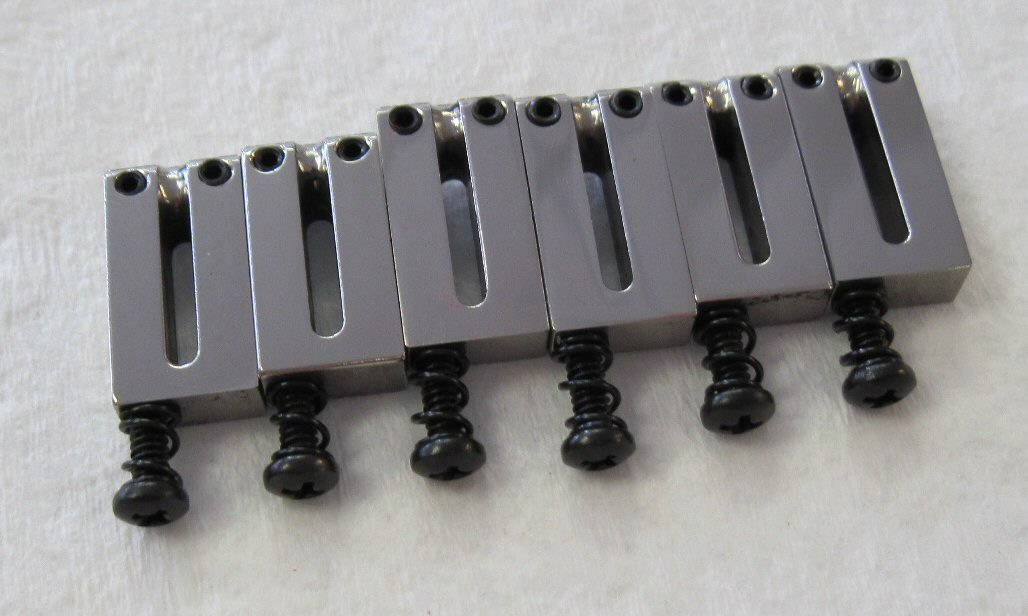 fender american deluxe ultra polished chrome bridge saddles 0036528000. Black Bedroom Furniture Sets. Home Design Ideas